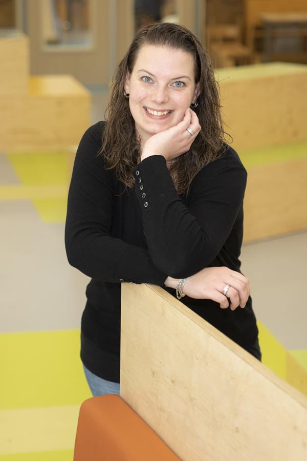 Esther Jetses - ondersteunend personeel